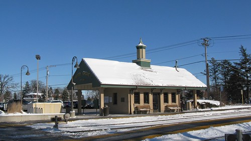 Wintertime at the Metra, River Grove commuter rail station. River Grove Illinois. January 2009. by Eddie from Chicago