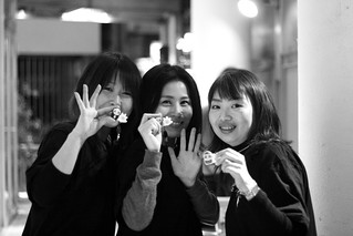 Tokyo CGM Night: The Poken Girls. (From left to right: Ikumi, Mariko, and Yayoi)