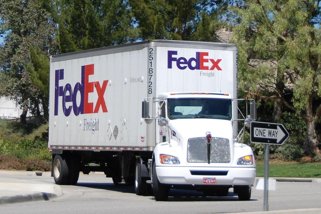 fedex freight kenworth big rig truck - Fedex Garden City
