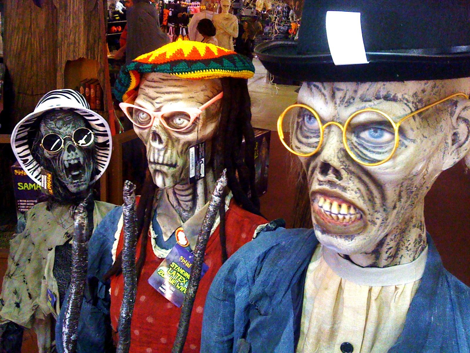 spirit halloween store – around carson