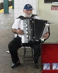 string instrument(0.0), diatonic button accordion(0.0), hand drum(0.0), wind instrument(0.0), accordion(1.0), folk instrument(1.0), garmon(1.0),