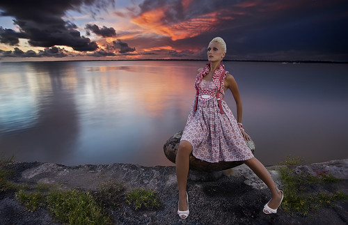 sunset seascape fashion mode magali flashes alienbees compositeimage canonef2470mmf28l singhray ab400 vagabondii atqueartificia alexrotin