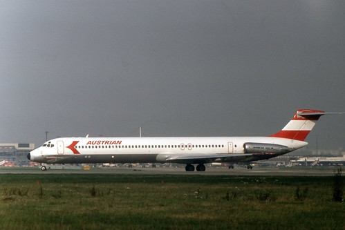OE-LDV-LHR-1982