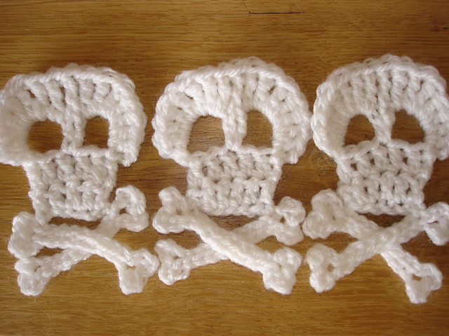 Crochet Skull : crochet skull and crossbones Flickr - Photo Sharing!