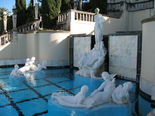 Statues by the Pool by stevebyuen