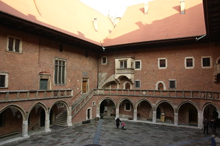 Image of Collegium Maius. old city geotagged photo highresolution university flickr downtown foto image centre innenhof arcade picture free poland polska krakow polish center medieval historic unesco patio cc polen uni jpg universität bild jpeg geo altstadt 2009 märz worldheritage frühling polnisch stockphoto weltkulturerbe arkaden krakau polski collegium mittelalter staremiasto maius historische krakauer kleinpolen polnisches polnische arkadenhof