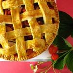 Apple strawberry pie with mint (p.68)
