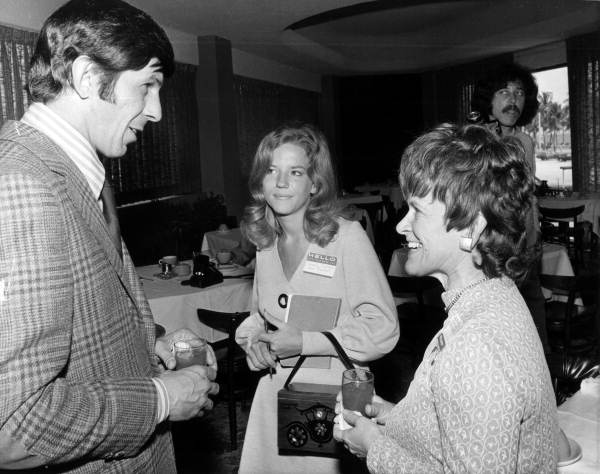 Actor Leonard Nimoy chatting with women at the Sheraton Yankee Clipper Hotel: Fort Lauderdale, Florida