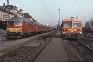 04.02.98 Pécs       MDmot 3032 + Bzmot 353