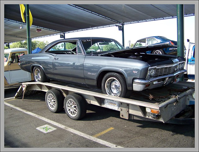 1966 Chevy Impala Ss http://www.flickr.com/photos/riels/3967624028/