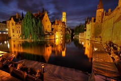 bruges canal at night