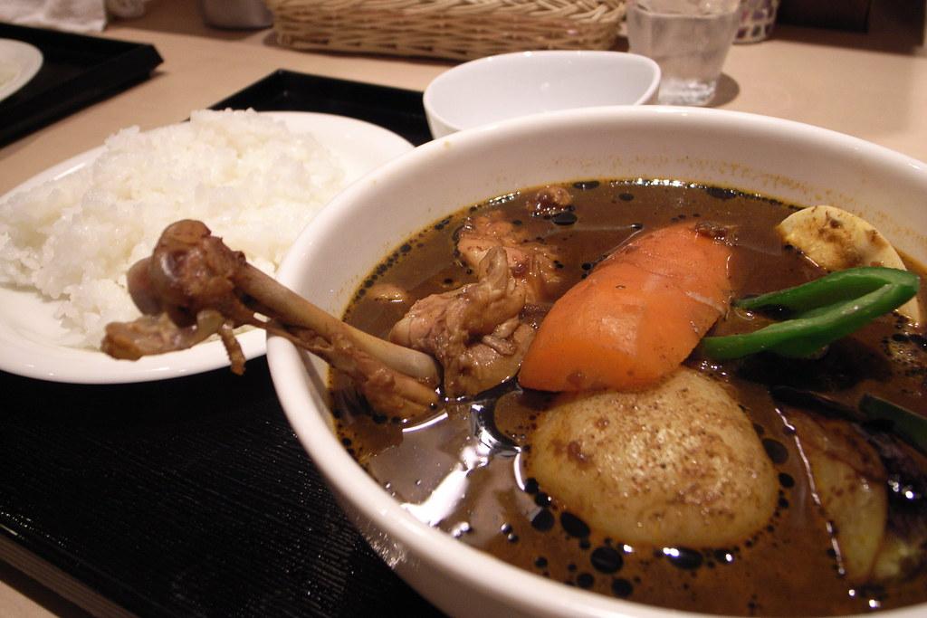 チキンの黒スープカレー
