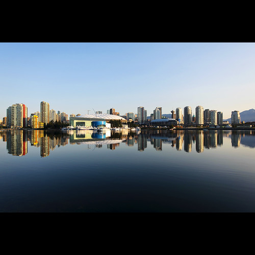 reflection skyline vancouver dawn downtown cityscape britishcolumbia falsecreek condos 5050 canonef1740mmf40lusm kvdl