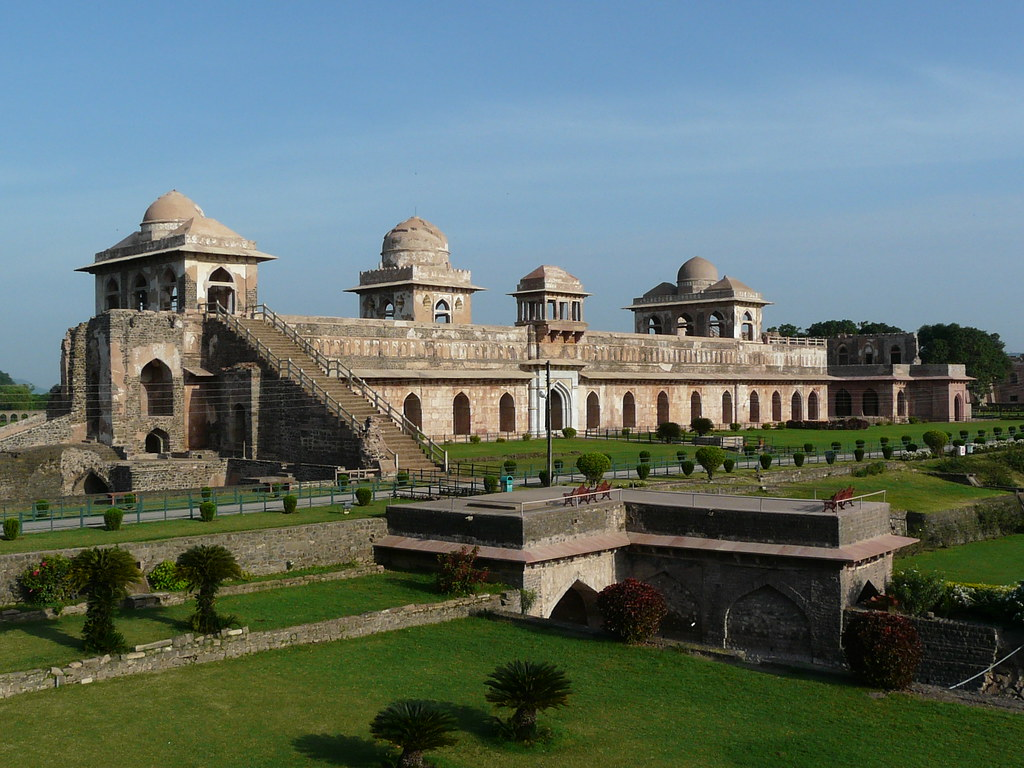 A view of the Jahaz Mahal (Photo: Varun Shiv Kapur via Flickr)