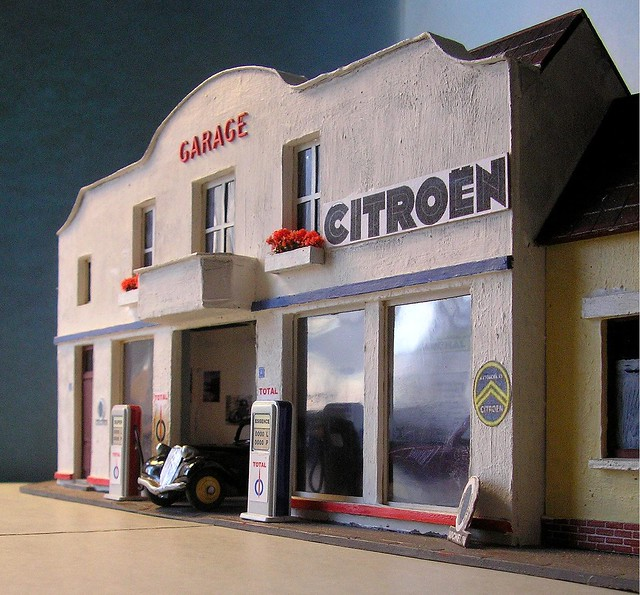 Miniature garages a gallery on flickr - Garage miniature citroen ...