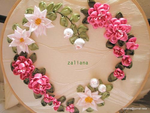 Ribbon petals april