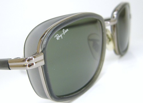 VINTAGE MENS WOMENS RAY BAN SUNGLASSES W2811 RARE