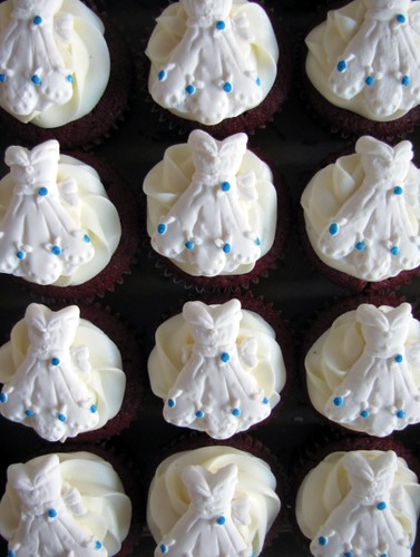 Bridal shower cupcakes part of an order for a bridal for Wedding shower cupcakes