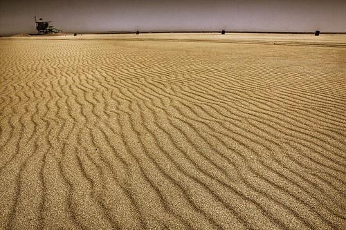 ocean california santa sky tower texture beach lines trash coast stand sand waves pacific wind lifeguard monica cans wavy