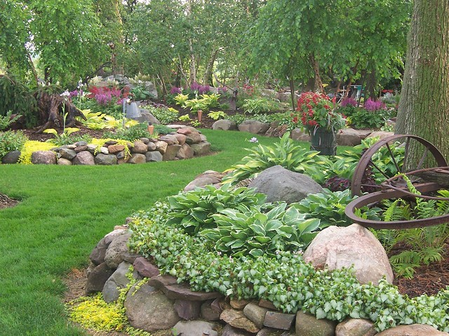100 1666 landscape design landscaping gardens shade for Stone rock garden designs