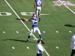 Eli Manning is back to pass in warm ups.