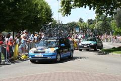 Garmin and Astana cars
