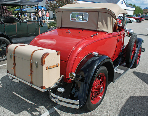 1930 Ford Model A Deluxe Roadster (7 of 7)
