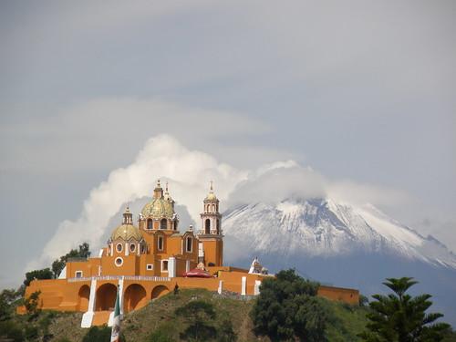 P8270093 Iglesia de los Remedios Cholula.,Puebla. Mexico por LAE Manuel Vela
