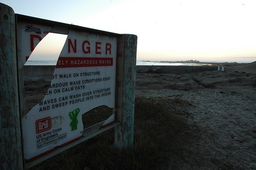 D'NGER ELY HAZARDOUS WAVES, warning sign, bad condition, Mavericks, Half Moon Bay, California, USA by Wonderlane