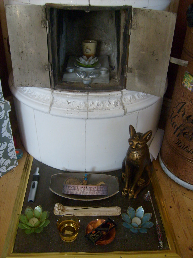 Wep Ronpet 2009 - before the rituals | My Wep Ronpet shrine … | Flickr