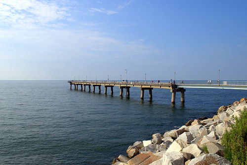 Fishing pier chesapeake bay bridge tunnel virginia for Fishing virginia beach