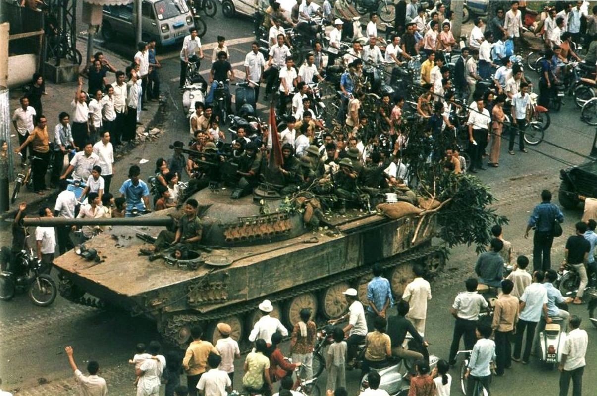 Những hình ảnh lịch sử trong ngày giải phóng Sài Gòn 1975