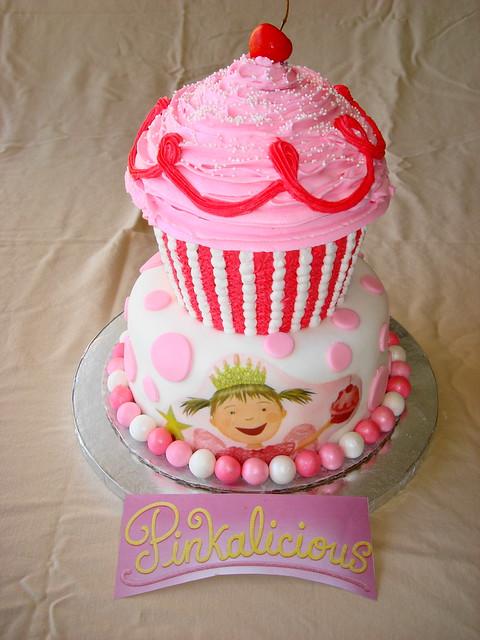 Pinkalicious Cake Images : 3278932327_56a0dc9429_z.jpg