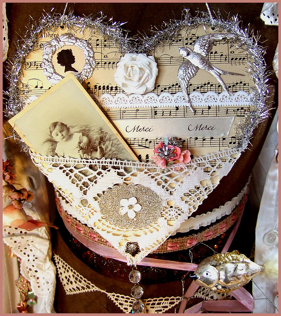 Vintage inspired Tinsel Heart Silver Wall Hanger