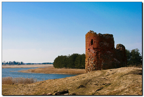 castle canon landscape ruins latvia lettland piltene aigarsr