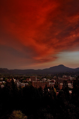 sunset red sky skyline clouds oregon canon buildings lights downtown butte eugene skinner hazy wildfire 50d