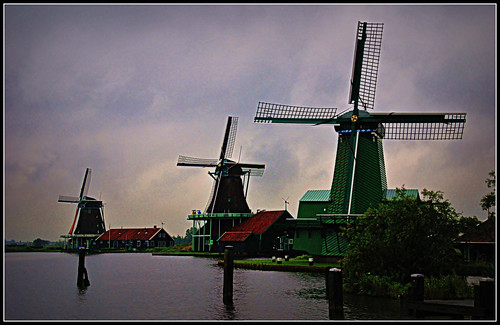 (724)  Windmills at Zaanse Schans, NL
