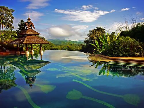 Infinity Edge Pool / Anantara Golden Triangle Resort / Chiang Rai / Thailand