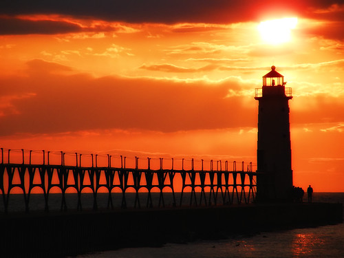 sun lighthouse michigan catwalk manistee