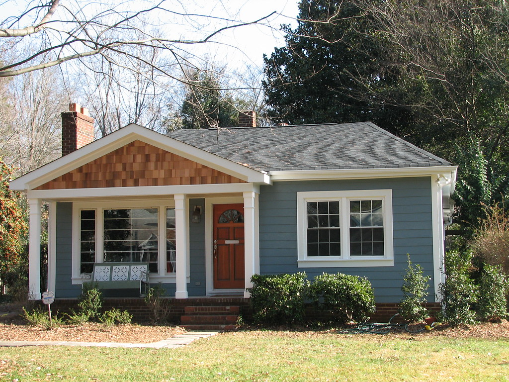 3987636469_267f7418d7_b Grey Cedar Shake House Plans on one story, for siding,