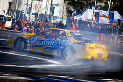 dirt track racing(0.0), monster truck(0.0), auto racing(1.0), automobile(1.0), racing(1.0), sport venue(1.0), vehicle(1.0), stock car racing(1.0), sports(1.0), race(1.0), motorsport(1.0), drag racing(1.0), race track(1.0),