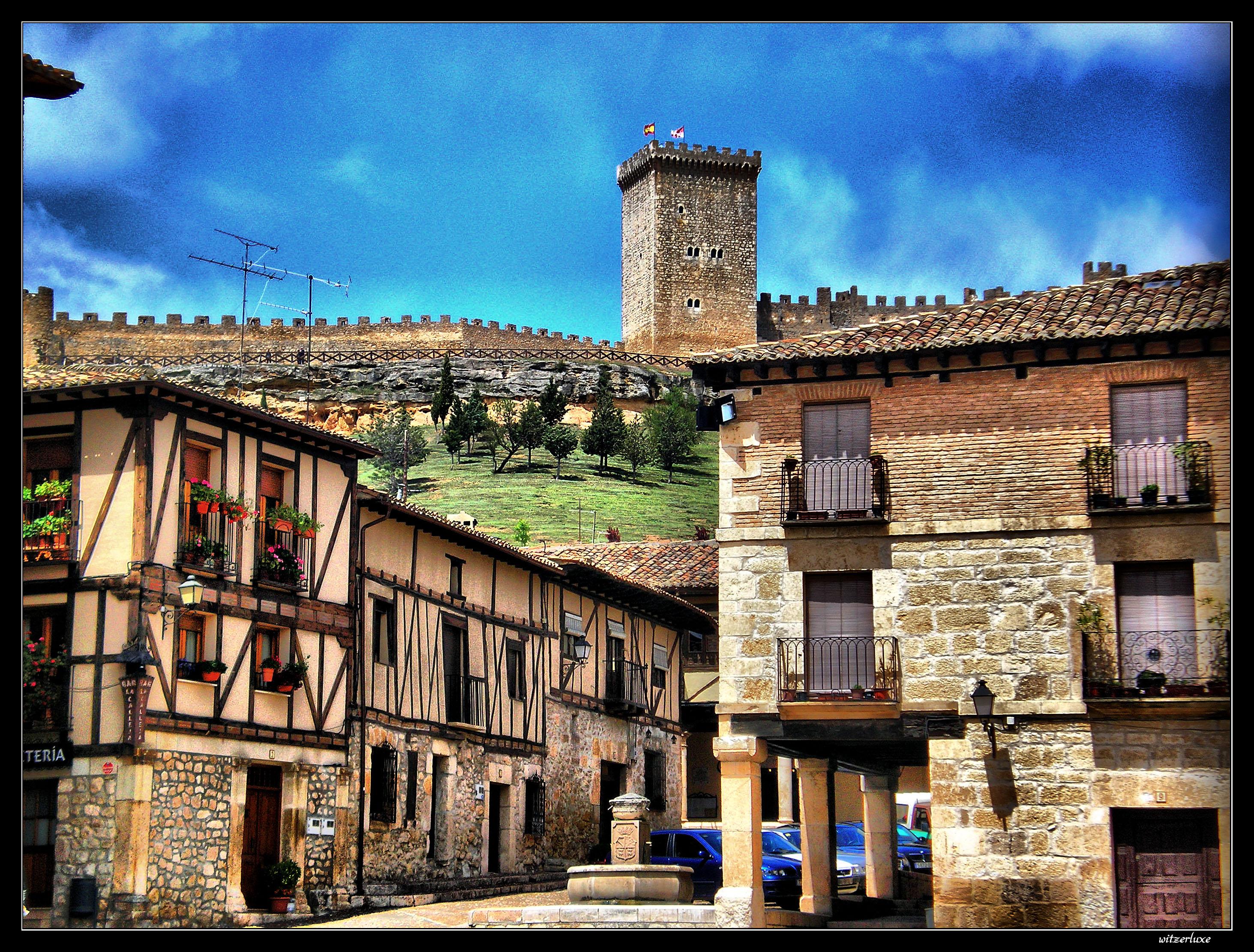 Castillo de los condes de miranda pe aranda de duero - Globalcolor burgos ...