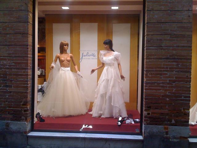 Robe de mariée transparente chez Juliette  Chez Juliette, b ...