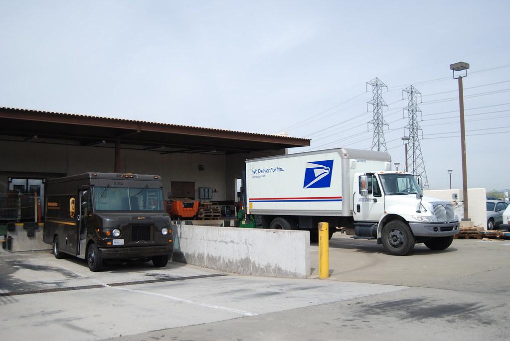 United parcel service ups delivery truck united states postal service usps international - Post office parcel service ...