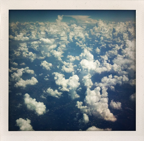 storm clouds plane flying thunder iphone