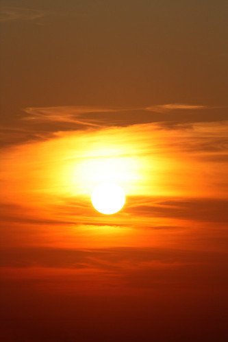 city morning red orange sun rot nature yellow clouds sunrise canon germany geotagged deutschland eos place sunday natur wolken gelb magdeburg stadt sonne sonnenaufgang 2009 sonntag morgens saxonyanhalt sachsenanhalt canoneos450d geo:lon=11622956 geo:lat=52083034