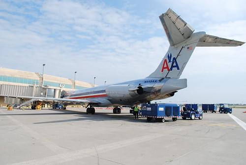 American MD-82 N449AA