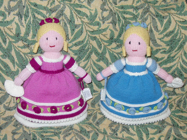 Knitting Pattern Central - Free Dolls and Doll Clothes Knitting