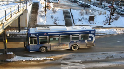 Eastbound suburban Pace bus. Highland Park Illinois. January 2009. by Eddie from Chicago