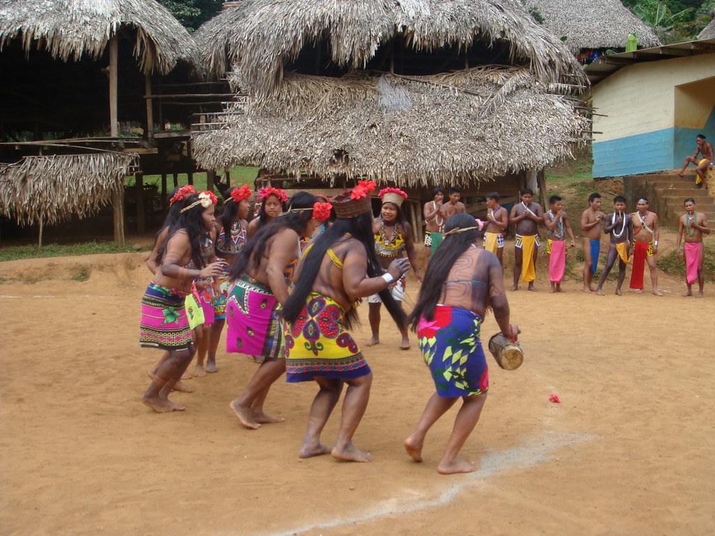 Emberá Drua village, Rio Changres